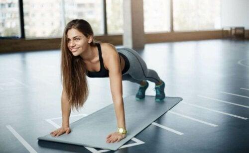 Fordelene ved at træne alene