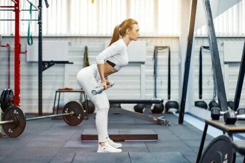 10 minutters træning med vægte for at styrke dine haser