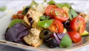 Zutaten für einen gesunden Salat