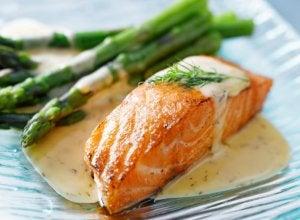 Fischgerichte mit Spargel