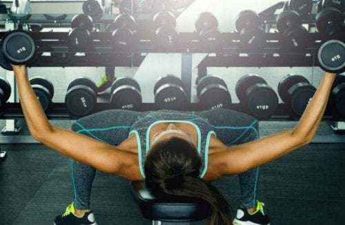 Vier Übungen für deine Brust