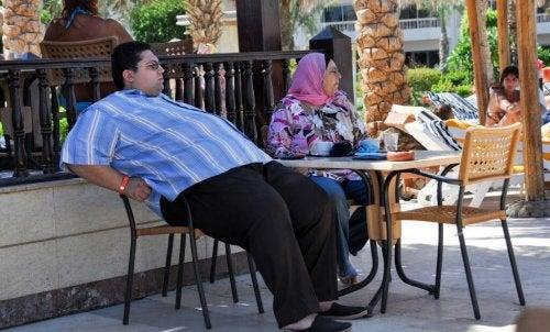 Mann mit Fettleibigkeit
