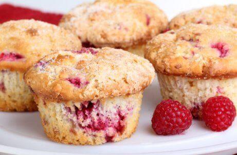 Muffins mit roten Beeren