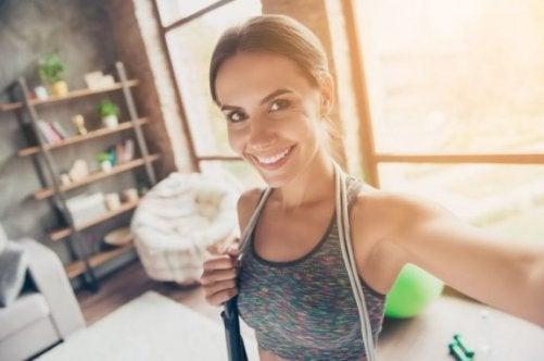 Wie du Heim-Cardiotraining ohne Geräte machen kannst