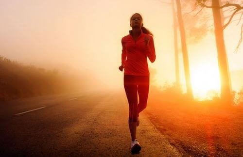 Tipps, um morgens mit dem Laufen zu beginnen