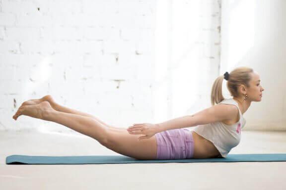 yoga und Bauchmuskelübungen