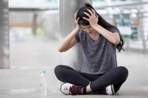 4 Übungen: Kopfschmerzen durch Muskelverspannungen