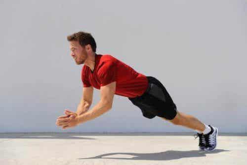 Was sind plyometrische Übungen und welche Vorteile bieten sie?