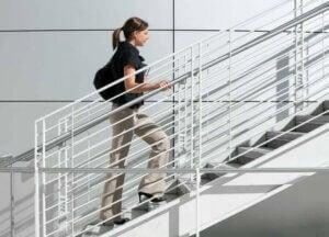Muskelabbau vermeiden durch Treppensteigen