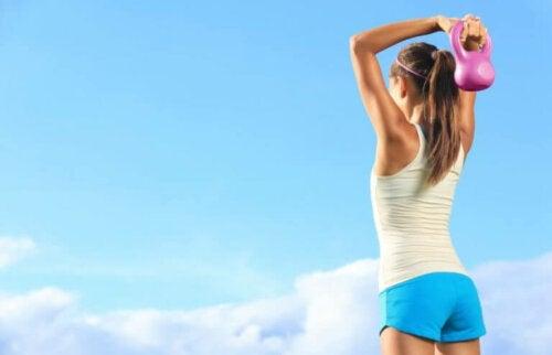 Susana Yabar trainiert, um Gewicht zu verlieren