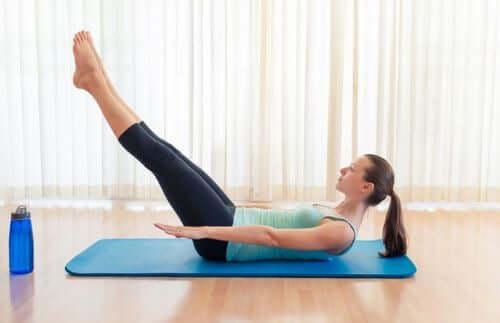 6 Übungen für einen flachen Bauch