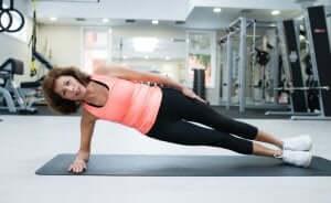 isometrische Übungen - seitliche Planks