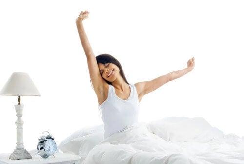 Ein flacher Bauch: Mit diesen Gewohnheiten kein Problem!
