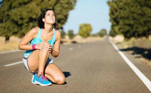 Knieprobleme lindern und vorbeugen mit diesen Übungen