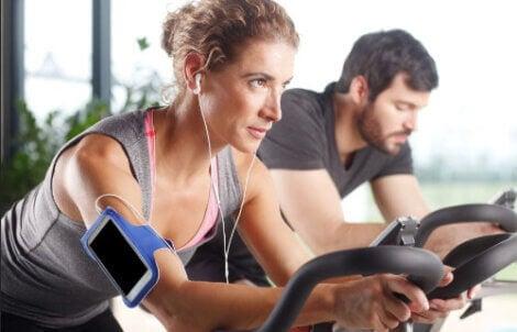 Hausgemachte Herz-Kreislauf-Übungen zum Abnehmen
