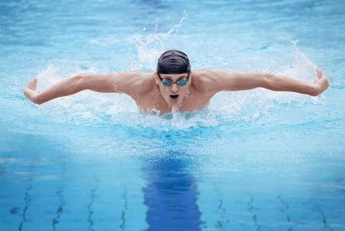 Vorteile von Schwimmen: Schmetterling