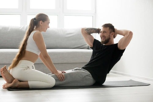 Bauchmuskeln zu Hause trainieren, ganz einfach und bequem