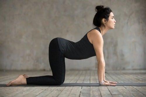 4 Übungen, um lästige Kreuzschmerzen zu lindern