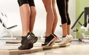 Wadenheben kann deine Beine stärken und straffen