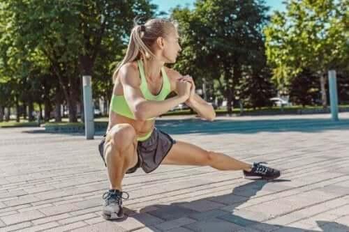 Fett an der Oberschenkelinnenseite - mit diesen Übungen wirst du es los!