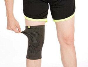 Kniebandagen aus Stoff