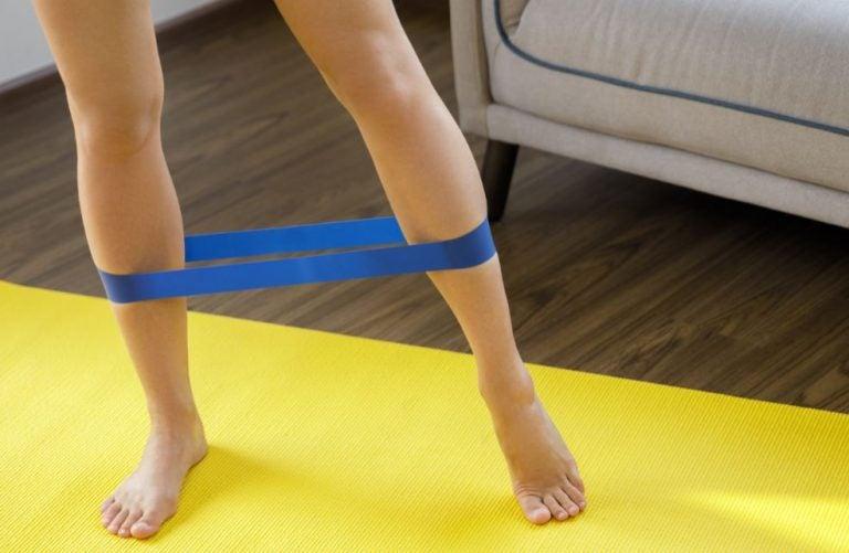 Plusieurs exercices avec des mini-bandes