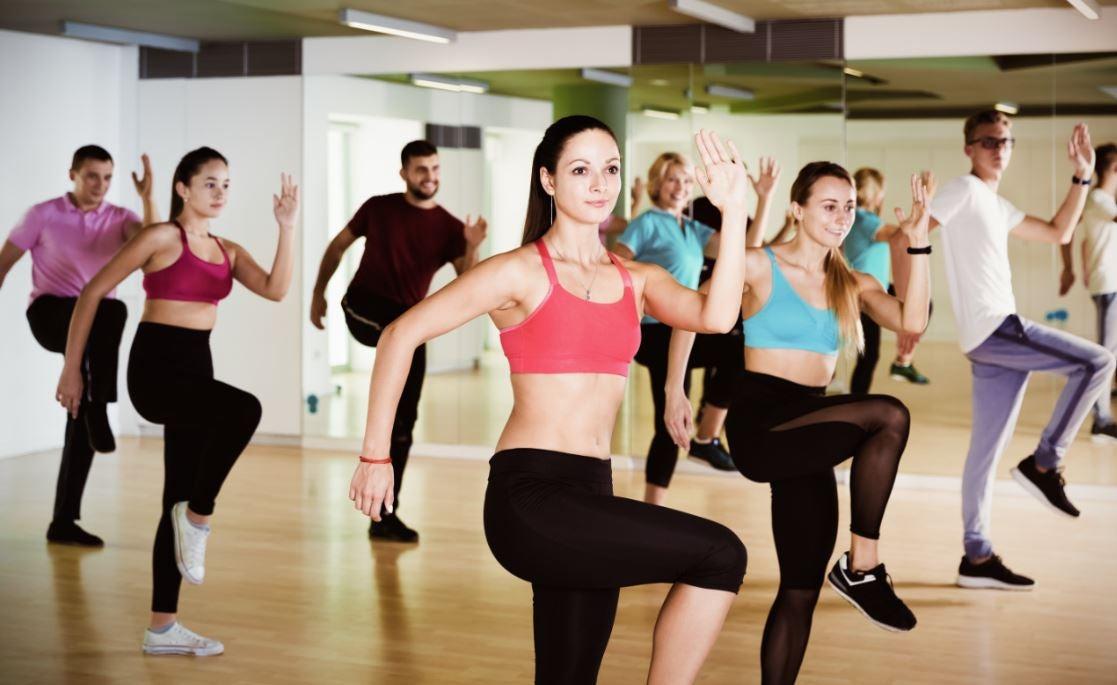 Zumba mezcla de baile con ejercicio
