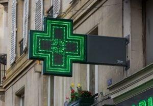 La gamme de produits pharmaceutiques s'élargit et nous devons être très prudents au moment de les acheter.