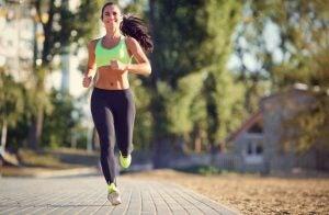 Connaître sa vitesse maximale aérobie est important pour trouver son rythme de course.
