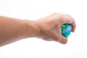 La powerball est très utilisée pour les cas de rééducation des membres supérieurs comme l'épaule, le poignet ou le coude.