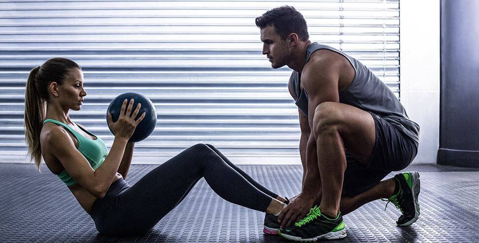 Les exercices à faire avec un ballon médicinal