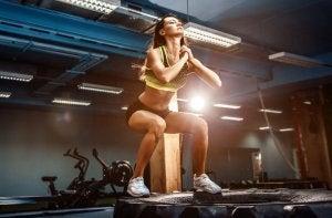 L'entraînement de CrossFit est un sport qui améliore la santé générale de celui qui le pratique.