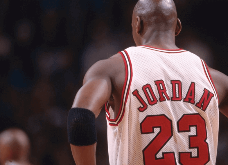 Le meilleur joueur est Michael Jordan.