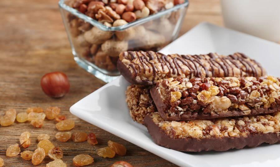 Barres de céréales au chocolat.