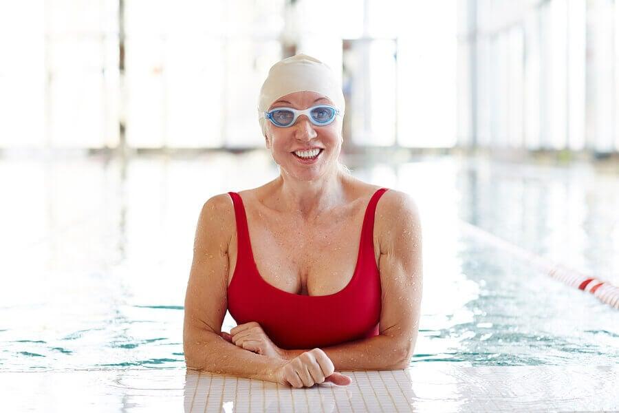 Est-il possible d'apprendre à nager à l'âge adulte ?