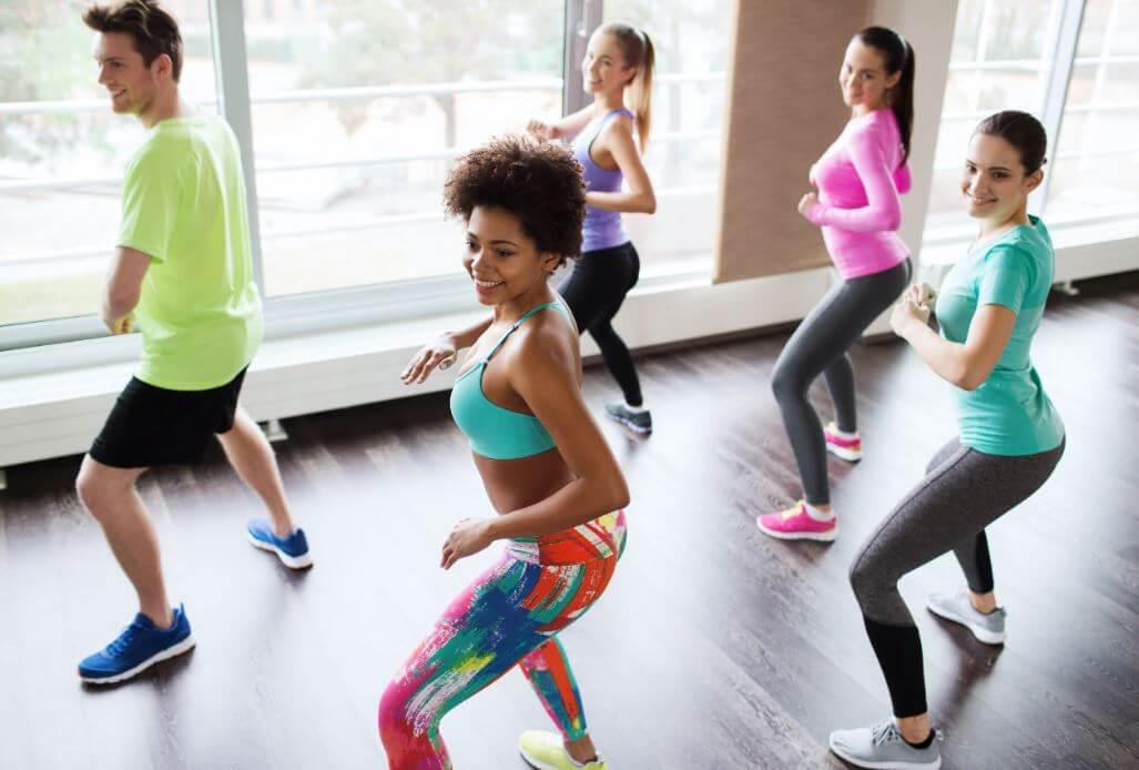 La zumba est un cours de gym avec des chansons latines.