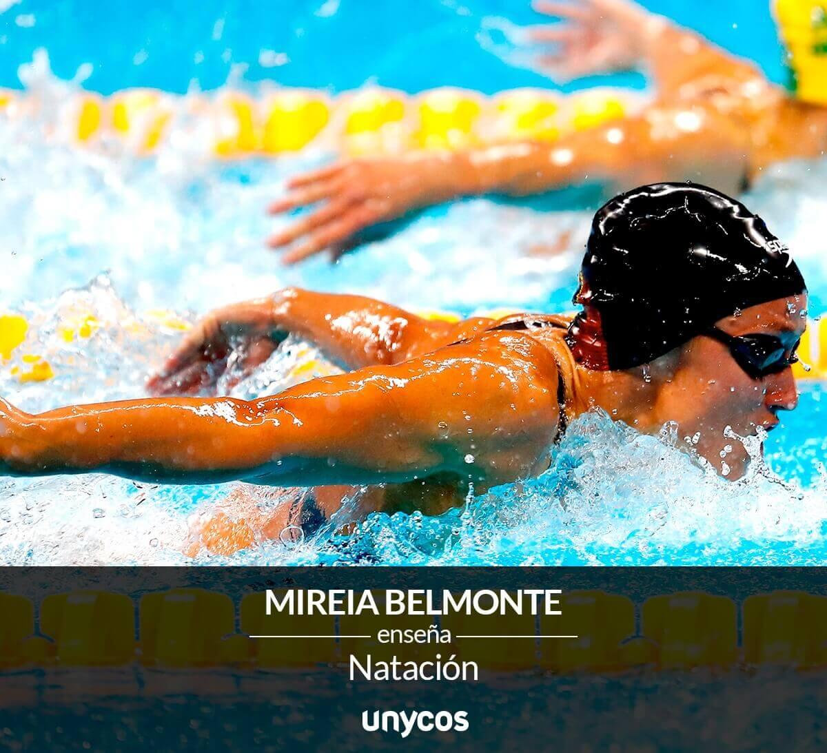 Mireia Belmonte en train de nager le papillon