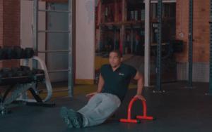 Travail des triceps avec le Pull Up Mate