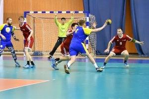 Match de Handball en salle.