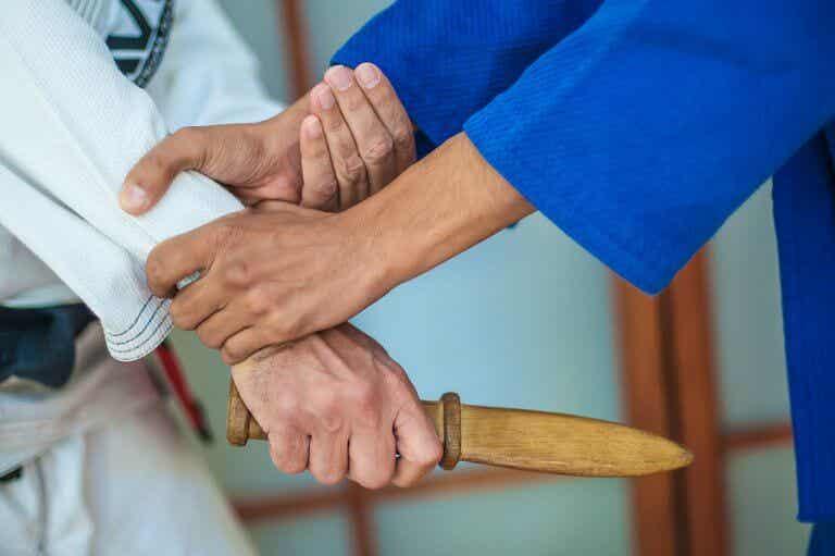 Armes blanches et arts martiaux en Espagne : que dit la loi ?