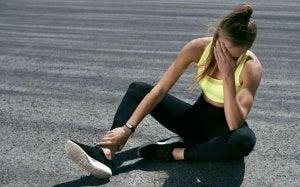 Une femme souffre de vertiges