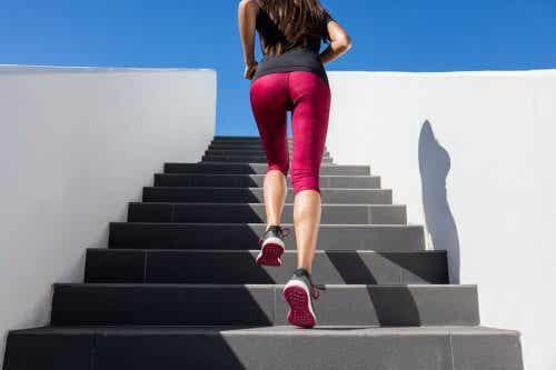 Effectuer des petits sprints quotidiens dans les escaliers