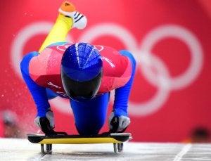 Départ de skeleton, l'un des sports de glace les plus anciens.
