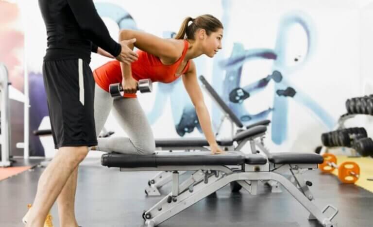 Différentes vitesses dans les exercices de force