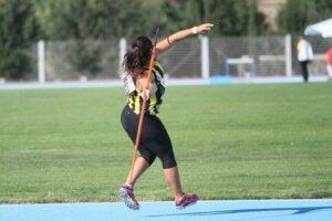 lancer de javelot féminin en heptathlon