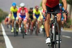 Une course de cyclisme