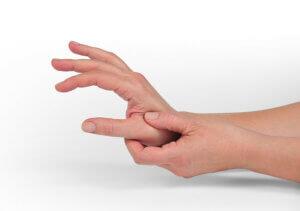 Douleur articulaire à la base du pouce.