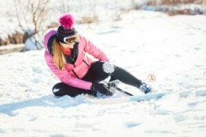 Une femme blessée au ski