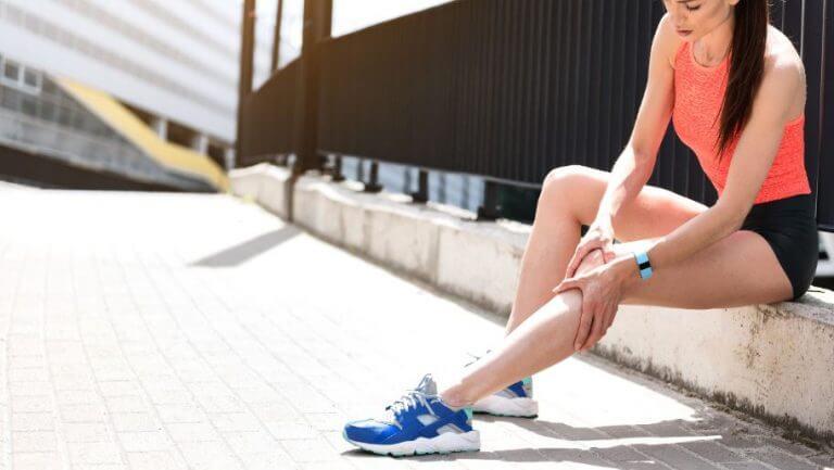 Les crampes musculaires, pourquoi apparaissent-elles et comment éviter d'en souffrir ?