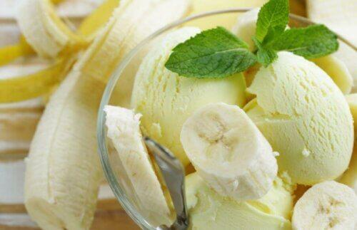 Une glace saine à la banane